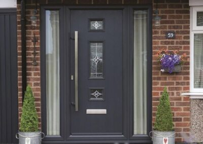 Anthracite Grey Door, Mid 3 Square, long bar handle, zinc art elegance glass